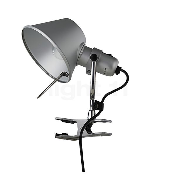 Artemide Tolomeo Pinza in the 3D viewing mode for a closer look